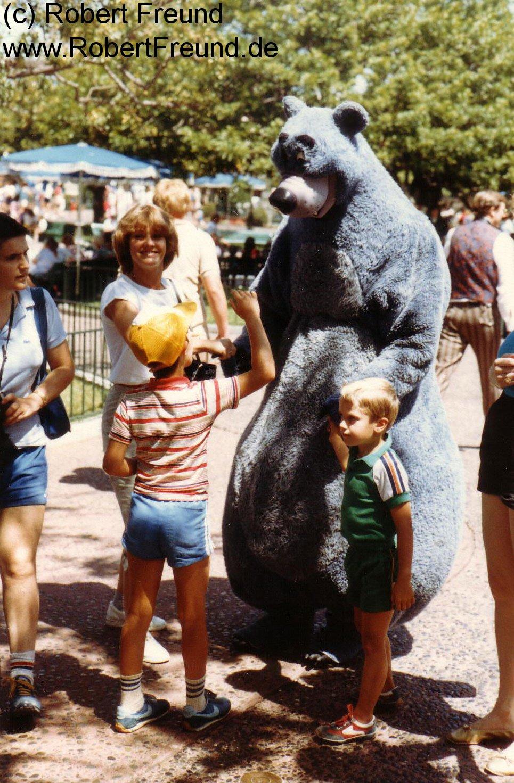Jutta-im-Disneyland.jpg