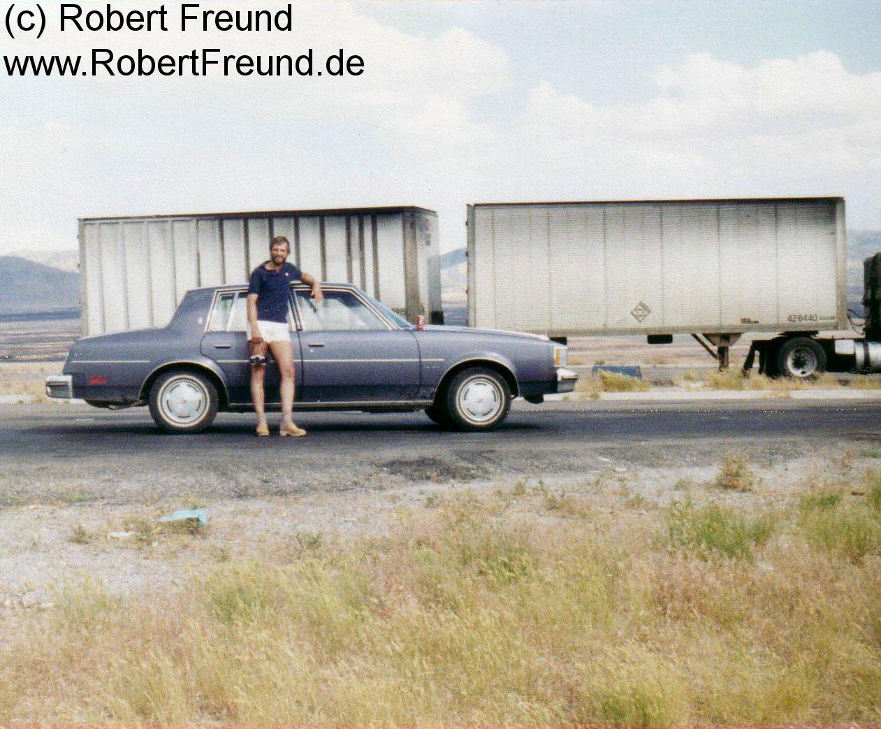 Robert-vor-unserem-Auto.jpg
